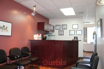 Clinique Dentaire Scott & Lam in Dollard-des-Ormeaux: waiting room