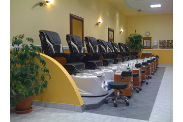 Nice One Nails in Nepean: Luxurious Pedicure Spa with the lastest massaging technology built-in