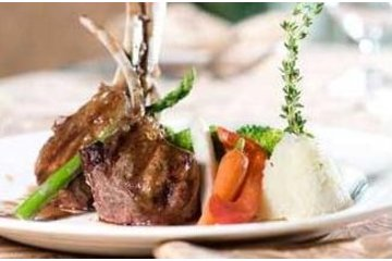 The Consulate Dining Lounge on Innis Lake in Caledon: Rack of Lamb at the Consulate Dining Lounge on Innis Lake