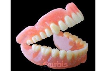 Clinique de Denturologie Michel Puertas in Brossard: prothèse-dentaire-complète-haut-et-bas-ouvert-dentier-français