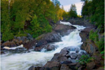 Algonquin Outfitters - Canoe Trips in Dwight: Day trip to Ragged Falls on the Oxtongue River