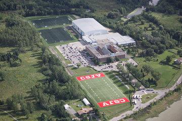 Collège St Jean Vianney in Montréal: Campus du collège privé secondaire St-Jean-Vianney à Montréal