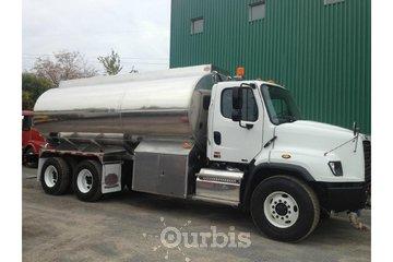 Citernes Girard Et Coulombe Inc à Montréal: Camion pétrolier