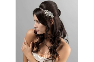 Venus Lingerie in Laval: Gorgeous hair accessories for everyone
