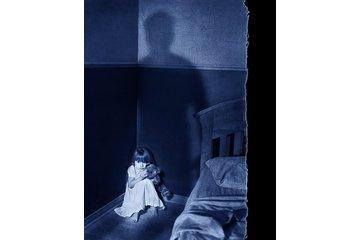 """Studio de Photographie Stéphane Larivière in Rigaud: Une fillette """"Please not again...daddy"""" Portrait d'enfant de l'année au Canada en 2008"""