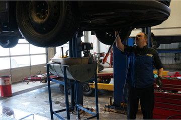 Transmission MM à Québec: Photo d'un spécialiste en  transmission au garage Transmission MM à Québec, GiP 2H9