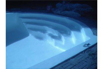 D.R.Concept  rbq 8003 3921 01 à Châteauguay: Réparation piscine en béton ( après )