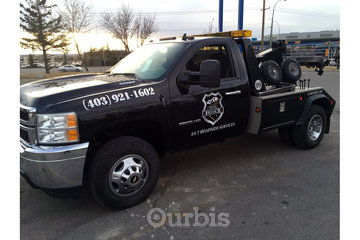 Service Force à calgary: Service Force Tow Truck