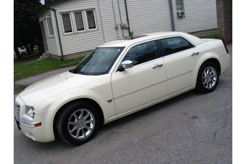 A and A Detailing in Lindsay:   Chrysler 300