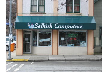 Selkirk Computers in Trail: Selkirk Computer's storefront