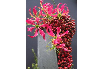 Fleuriste Dominique Houle, créations florales à Dunham: Ardoise et fruits d'aubépine.