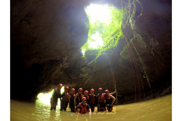 Cruise Holidays | Luxury Travel Boutique à Mississauga: Cave adventure tour with Cruise Holidays | Luxury Travel Boutique