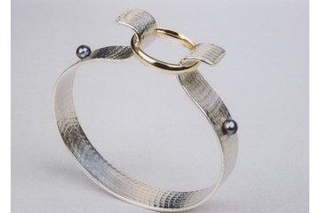 Bijoux Collection Vianna à Montréal: Bracelet 2 en 1 en argent et or jaune avec perles noires