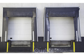 Accent Door Mfg Ltd in Saint-Hubert: Fabrication de portes de garage industriel et commercial Montreal