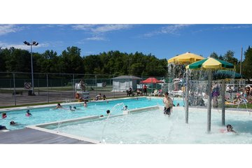 Camping Choisy à Rigaud: Family pool / Piscine Familliale
