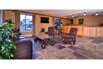 Kelowna Inn & Suites in Kelowna: Welcome.
