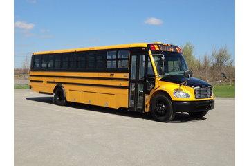 Autocar Chartrand inc à Laval: Autobus avec coffres