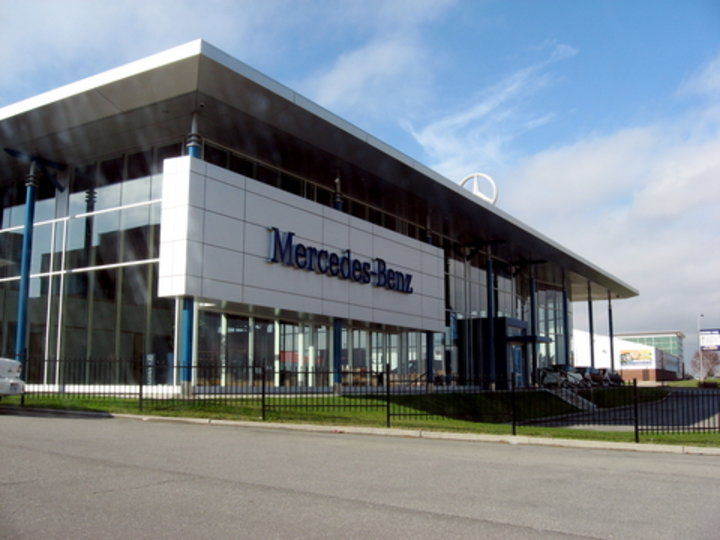 Mercedes benz laval laval qc ourbis for Location garage laval