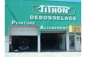 Tithon Débosselage à Saint-Clément: mon civic turbo dans le garage