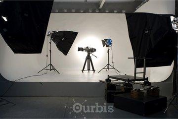 Télé Ciné Montréal INC à Montreal: Location de décor cinématographique