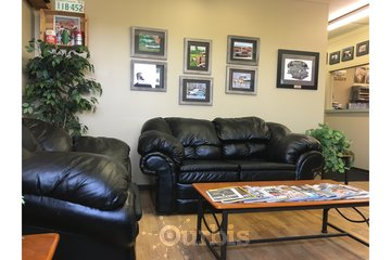 Herle's Truck & Auto Specialists in Lloydminster: Comfy Customer Lounge