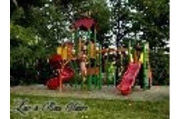 Auberge Lac à L'Eau Claire in Saint-Alexis-des-Monts: Module de jeux extérieurs pour les enfants