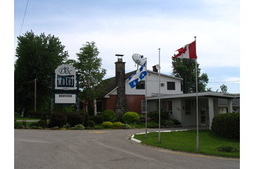 Au Doc Motel à Repentigny: Entrée Principale