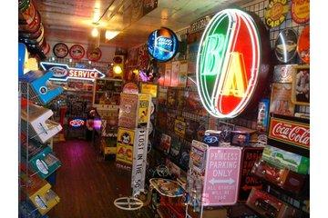 Dave's Garage & Memorabilia Inc in Abbotsford: Items for sale.