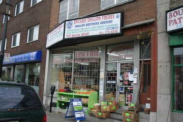 Dhillon Brother's Grocery in Montréal