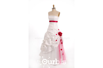 Zora L'Huppée robe de bal et robe de mariée Québec in Québec: Robe de mariage