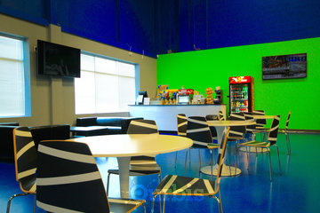 Air Riderz Trampoline Park in Mississauga: Cafe Area