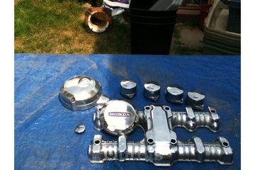 Gregs Metal Grinding in Oshawa: Honda motorcycle parts after mirror finish