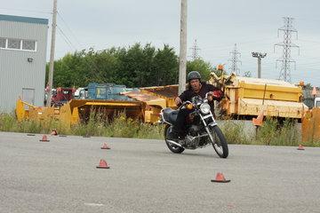 Ecole De Conduite Moto Jean-Pierre Chenu à Laval: Contrepoids