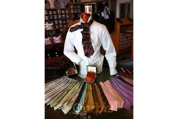 Mondo Uomo à Laval: our ties fashion and high silk fabric