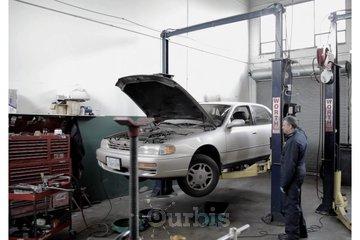 Pawlik Automotive in Vancouver