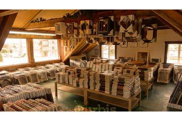 LA VIEILLE MAISON, ENCADREMENT in Repentigny: Cadres Standard, 25 grandeurs stock