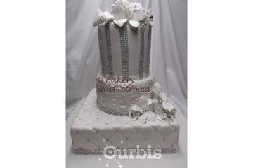Boulangerie & Charcuterie San Pietro in Montréal: SanPietro.ca - Diamond White Wedding Cake