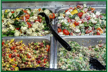 Marché Laurier in Montréal: Buffet de salades appétissantes