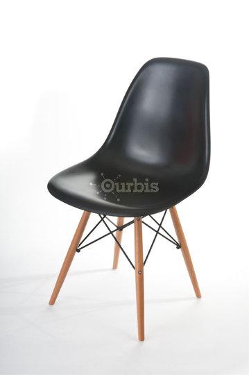 Mako haus design store montr al qc ourbis - Chaises eames montreal ...