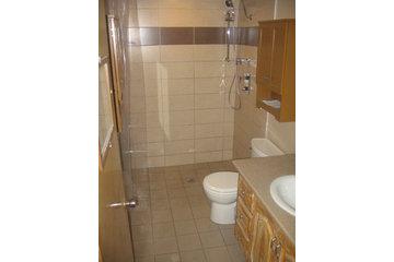 L V Novabec Construction Inc in LaSalle: douche sans seuil