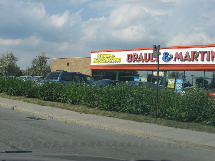 Brault martineau inc longueuil qc ourbis for Meuble brault martineau