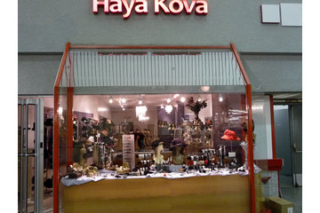 Haya Kova Inc in Côte-Saint-Luc: Haya Kova store display
