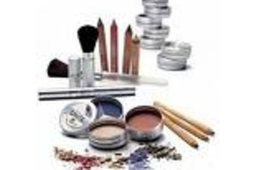 Salon De Coiffure Coiffe Net Elle & lui @ Repentigny (Offre de service: France Chaussé, Pigiste Coiffeuse. Médias et autres activités médiatiques) in Le Gardeur: Maquillage offert en salon