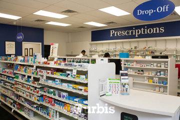 Harmony Valley Pharmacy in Oshawa: Harmony Valley Pharmacy Interior Front Right