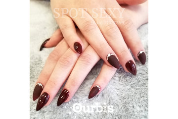 SPOT SEXY à calgary: Red Nails - Best nail salon in Calgary
