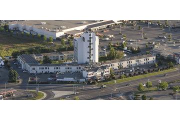 Swiss Solar Tech (SST) Ltd in Summerland: 102 solar paenls at Kelowna Hotel