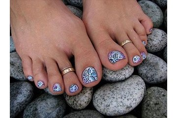 ongles beaute diva à Montréal: pour une pedicure appeler 514-508-6669