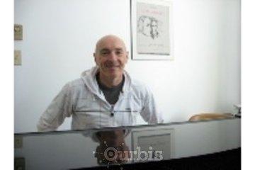 Cours de piano - Piano lessons , Gerald Proulx à Rigaud: dans mon studio , in my studio