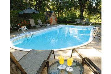 Hotel Le Rivage in Rosemère: la piscine extérieure