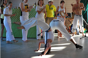 Capoeira Sherbrooke à Sherbrooke: Démonstration au festival des traditions du monde de Sherbrooke 2010